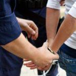 A ajuns pe mâna polițiștilor după ce a furat un telefon dintr-un magazin
